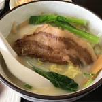 chuugokuryourikouka - 定食の豚骨ラーメン