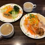 58759790 - ディナーセットのスープ と サラダバーのサラダ
