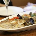 リカータ - 鯛・あさり・ムール貝の白ワイン蒸し
