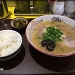 宝来軒 - 料理写真:伝説のらーめん+ごはんセット710円
