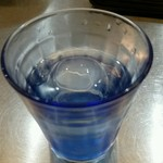 麺創研 紅 - 丸氷のお水