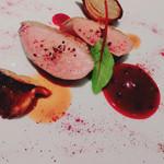 Restaurant MOTORA - ハンガリー産 鴨の胸肉ロースト       ビーツとフランボワーズのソース