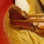 58767037 - 魚介豚骨 醤油の美しいチャーシュー