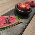 肉牛寿司×しゃぶ焼肉2+9 - 黒毛和牛の握り寿司、ユッケ、炙り