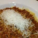 銀座ワイン食堂 パパミラノ - チーズはストップかけるまで 削ってくれます♥(*≧∀≦*)