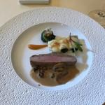 58777605 - オランダ産仔牛のパネ 秋の茸のクリームソース マカロニのグラタンと野沢菜のファルシ