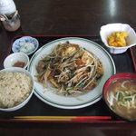 市場食堂 - フーチャンプルー定食500円