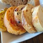 58781184 - ランチセットのパン(食べ放題)