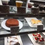 かまやカフェ・デュ・レヴァベール - ケース内のケーキ等