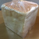 ぱん屋のぺったん - むっちり食パン 300円