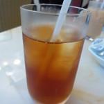 洋食カフェ・バー KITORI - ドリンクはアイスティーで
