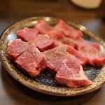 焼肉ほるもん たーちゃん - 特選厚切牛タン・ハラミ盛合せのハラミ側☆