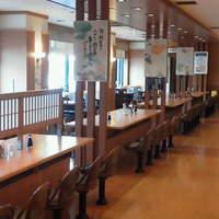 志高 - 総150席。広々とした空間でのお食事を演出致します。