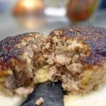 サカナザ - 何もつけなくても美味しいハンバーグです(^^)