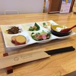 旬菜キッチン バンサイ - 料理写真:最初に6点盛りの前菜が出て来ます