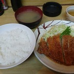 まる中 - 料理写真:みそかつ定食 680円