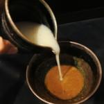 鴨蕎麦 尖 - トロトロ蕎麦湯をトロトロ鴨白湯つけ汁に投入(^^)/