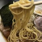 でんでん - 【2016.11.11】加水率やや高めのストレート細麺。