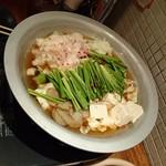 もつ鍋 亀八 - もつ鍋(醤油)