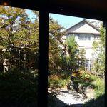 58806250 - 窓から見えるお庭