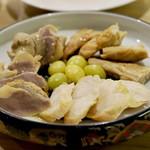 わいんばーりゅうちゃん - 鶏の燻製盛りあわせ 焼銀杏 砂肝 せせり ささみ