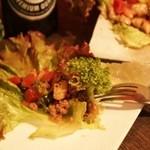 クラッシーズ - タイ風ひき肉のレタスカップ