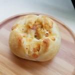 パン工房 サンク - 「サンク風アンチョビポテトのフランスパン」150円税抜