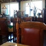 58817193 - 店内…アンティーク調の椅子など趣があります