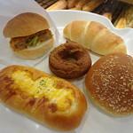 阪急ベーカリー - 料理写真:どれも1個100円+税です♪