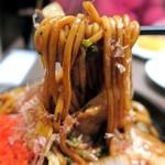 くれおーる - コシのある太麺にドロソースが絡みついて旨いのなんの