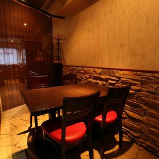 隠れ家レストラン。日常を忘れさせてくれるひと時を。
