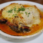 カフェ ブル - 穴子、茄子、生ハム、スカモルツァ・チーズの重ね焼き2