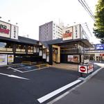 とんかつ神楽坂さくら - 駐車場もご用意しております。※一方通行のためご注意ください。