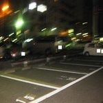 菜の音 - 店前の駐車場