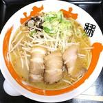 らぁめん 柿の木 - 料理写真:しょうゆ豚骨らぁめん_755円