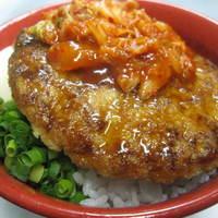 モンストロ バーベキュー - キムチ豚玉丼/700円