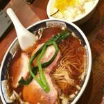 Shinamenhashigo - 太肉は最高に美味しいので,これをおかずにサービスライスを食べるのが良いです