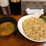 58838411 - 濃厚煮干し辛つけ麺 850円 + 大盛 100円