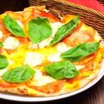 奥の掌 - マルゲリータピザ