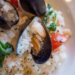糸島バールSyana - ムール貝の旨味と香り、エビのぷりぷり感。たまらないッス!