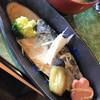 味処 三笠 - 料理写真:肉薄です
