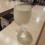 蕎麦切 砥喜和 - 冷酒をグラスで
