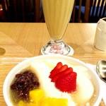 58848211 - フルーツ豆花   ジャスミンアイスティーのミルク