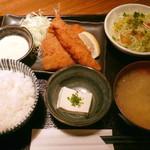 個室馳走屋 海音 - ミックスフライ定食¥780。ご飯は「白飯」をチョイス。