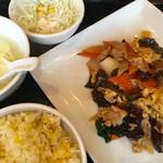 紅虎餃子房 - 豚肉と卵、きくらげの炒め物