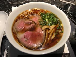 鉄板焼き 貴真 - 「特製ダレの醤油ラーメン」980円