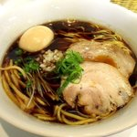 らぁ麺 ひなた - 料理写真:天然だし熟成しょうゆ(黒だし)らぁ麺!