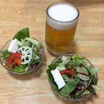 豚竹林 - サラダとビール