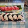 大口水産株式会社 - 料理写真:寿司を肴に缶ビール~☆
