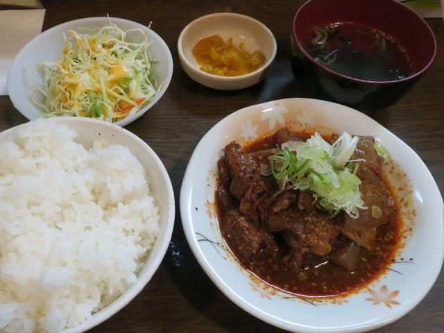 路地裏 - 激辛牛すじ煮込定食